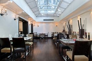 tn_HiltonLondonGreenPark_Tiger_Green_Brasserie_Restaurant.jpg
